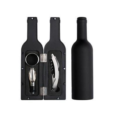coffret avec accessoires vin en forme de bouteille. Black Bedroom Furniture Sets. Home Design Ideas