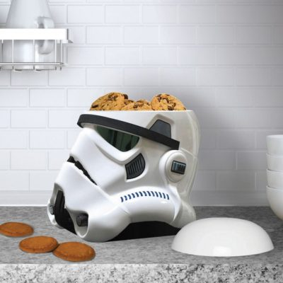 Boite à gâteaux Star Wars en forme de casque de Stormtrooper