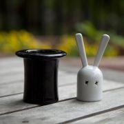 Salière poivrière design en céramique en forme de lapin et de chapeau