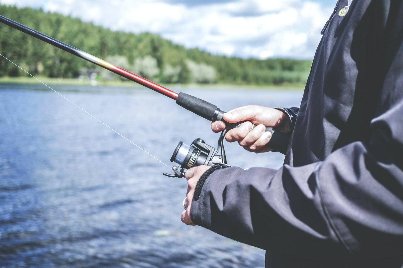 5 idées cadeaux originales pour un amateur de pêche